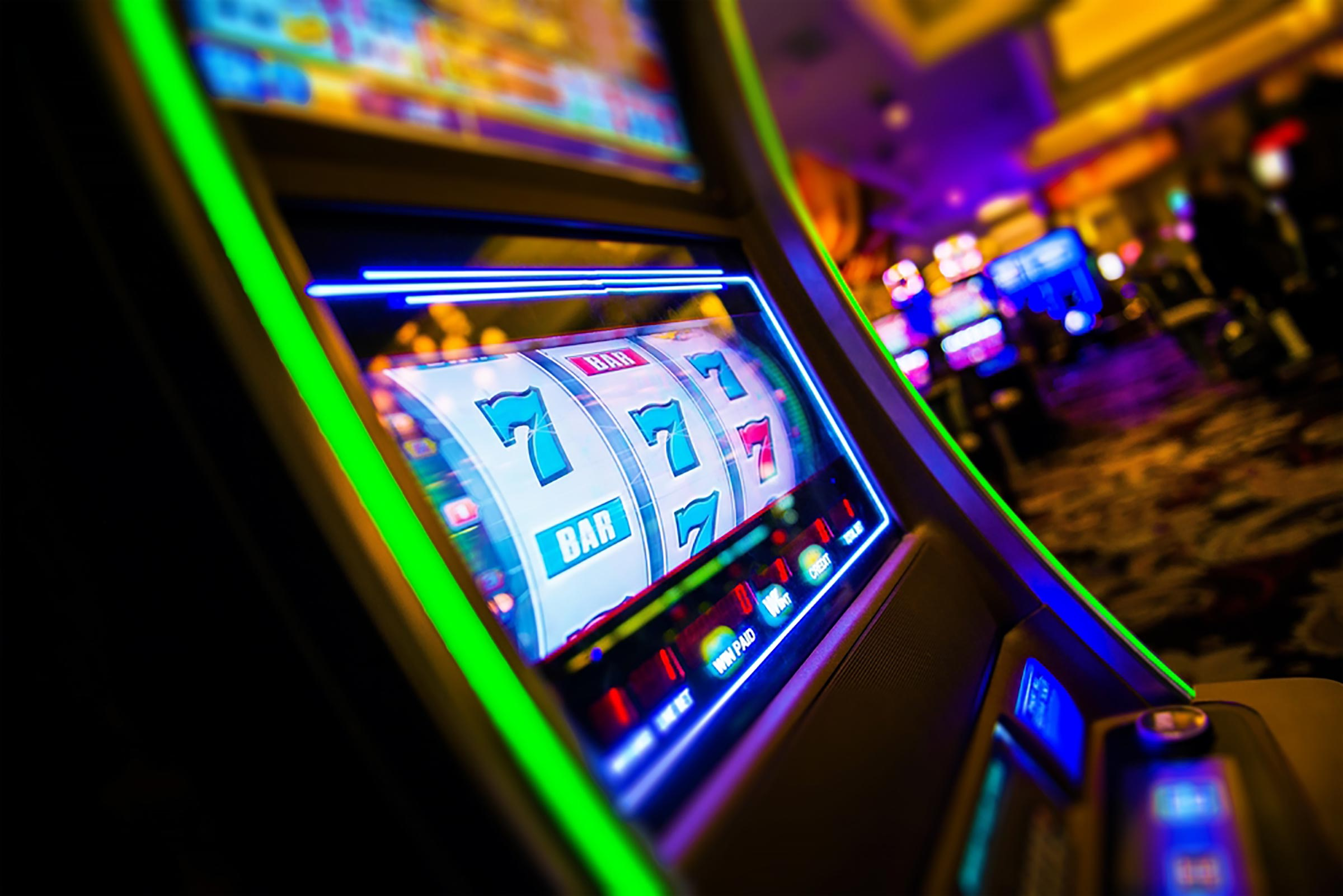 traditional 3-reel slot machines